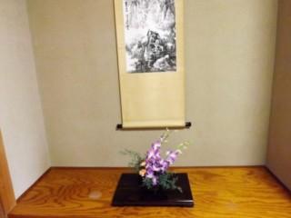掛け軸と生け花