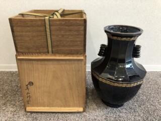 永楽 善五郎 作 『紫交趾十二角 花瓶』をお買取りさせて頂きました。