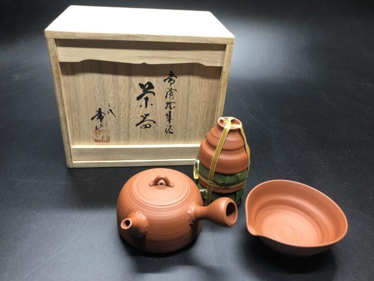 三代常山作 常滑焼朱泥茶器を買い受けました。