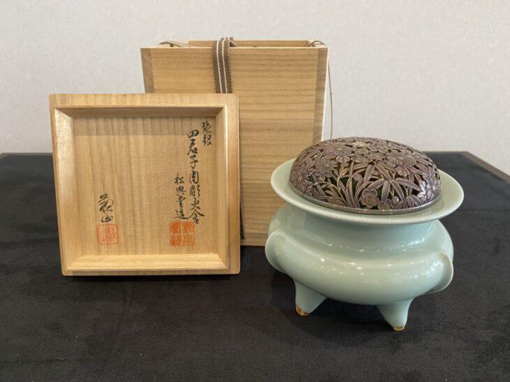 諏訪蘇山『青瓷袴腰香炉』を買取致しました