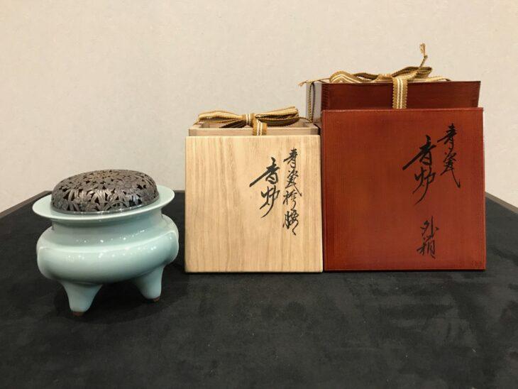 諏訪蘇山作 青磁袴腰香炉をお買取りさせていただきました。